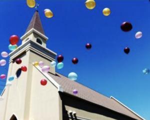 教会・風船画像
